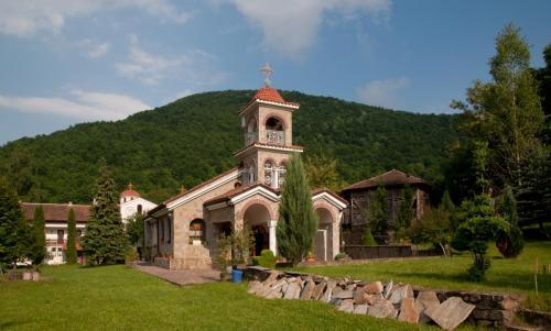 Vrachesh Monastery